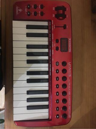Teclado MIDI/USB CONTROLLER