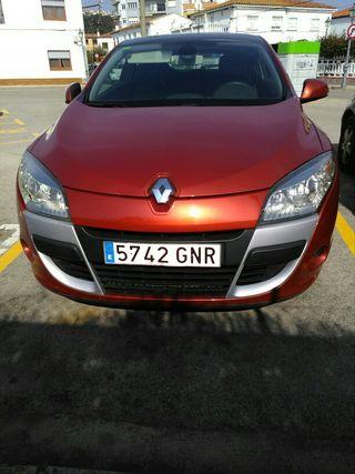 Renault Megane coupe 2011