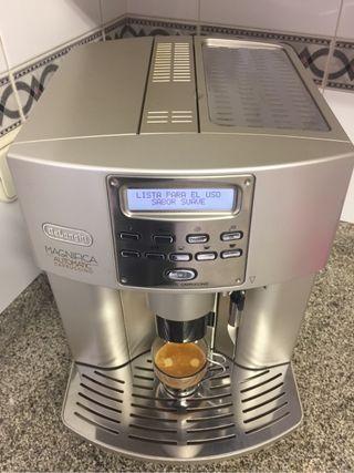 Delonghi Magnifica cappuccino