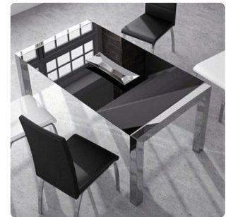 Mesa de diseño extensible.
