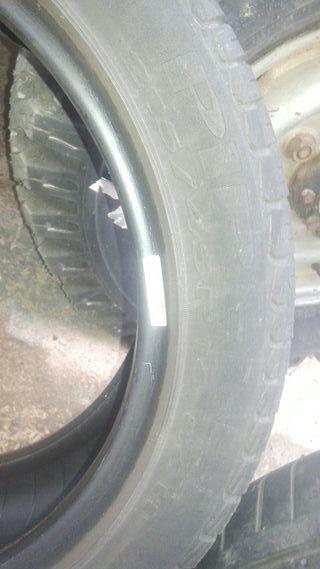 Neumático 215-45-16