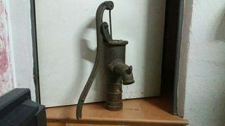 bomba agua antigua