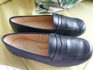 Zapatos de piel. Angelitos talla 37