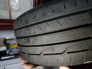 Neumáticos semi nuevos 225 45 19 dunlop