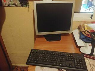 vendo pantalla y teclado