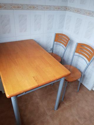 mesa y dos sillas madera y metal