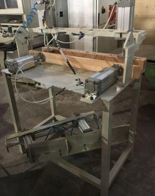 Se vende prensa neumática larcon metal