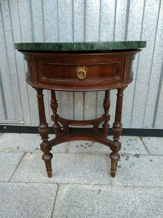Bonita mesa antigua de madera de segunda mano por 20 en for Wallapop mesas