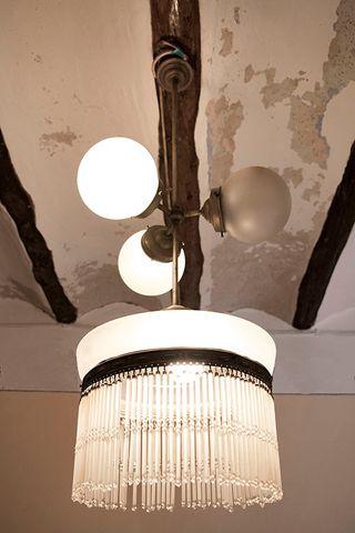 Lámpara antigua modernista