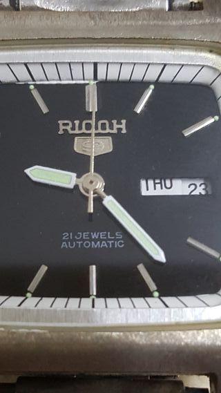 reloj RICOH 9