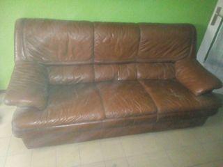 sofa y mueble de comedor