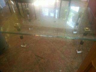 Mesa baja de centro de cristal con metaquilato