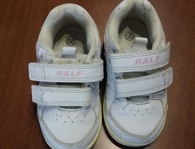 5f7591569 Zapatillas deporte niña número 20 de segunda mano por 4 € en ...
