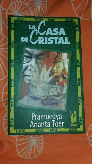 Libro, La casa de cristal.