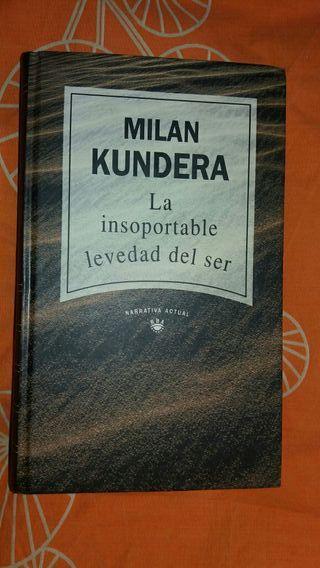 Libro. La insoportable levedad del ser.