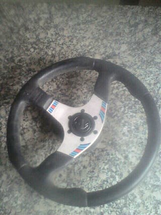 volante deportivo momo