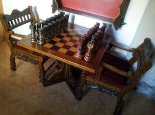 Antigua mesa de ajedrez.Origen Frances.