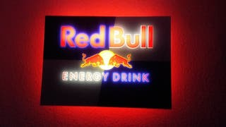 cartel luminoso red bull