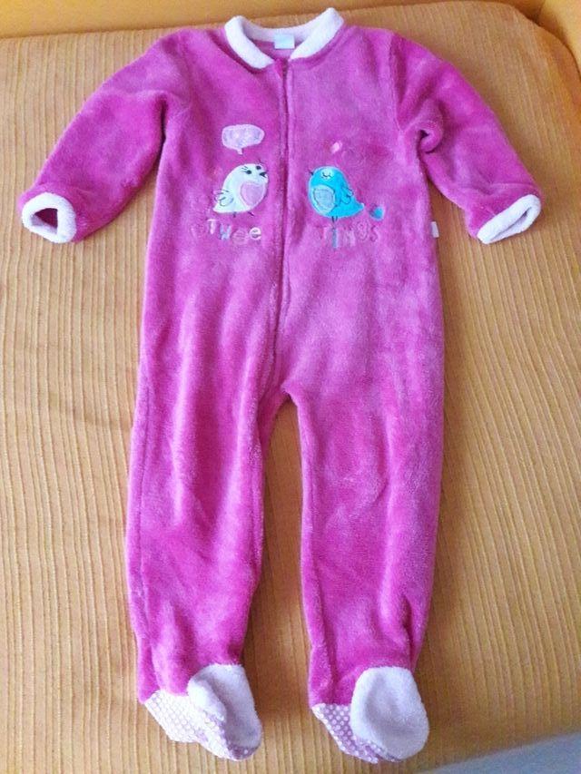 79cbd67e4 Pijama-manta niña 36 meses de segunda mano por 4 € en Aldaia en WALLAPOP