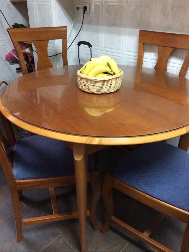 Mesa cocina o comedor madera , extraible , de segunda mano por 60 ...