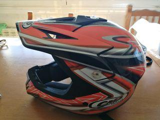 Casco motocross CMS usado, en buenas condiciones