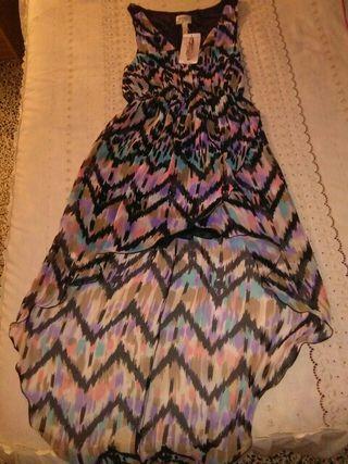 vestido de corte desigual