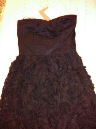 vestido corto de color negro