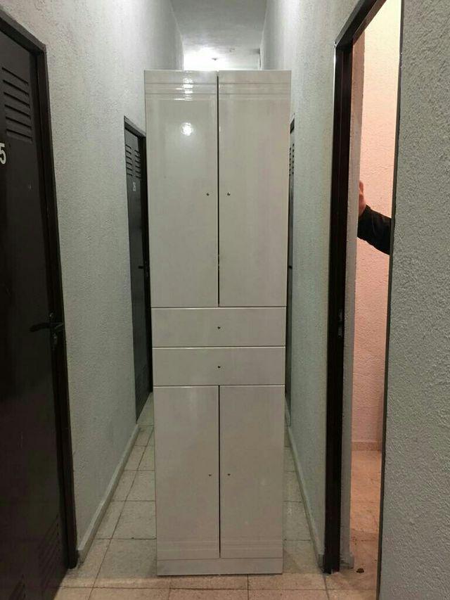Armario cuarto de baño de segunda mano por 120 € en Madrid en WALLAPOP