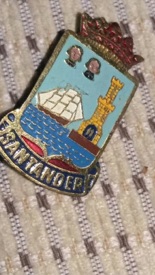 pin antiguo de Santander
