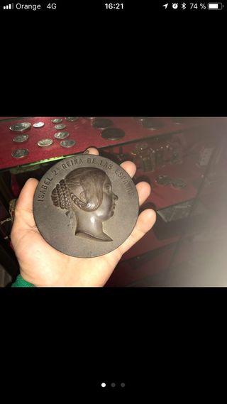 Medallon de Isabel II