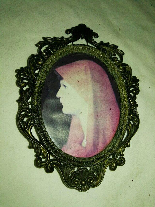 Antiguo marco ovalado o cuadro de bronce de segunda mano por 12 € en ...