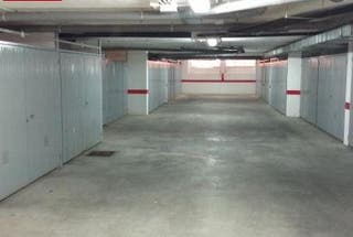 Garaje cerrado puerta automatica alquila o vende