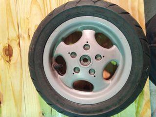 """rueda trasera vespa 10"""""""