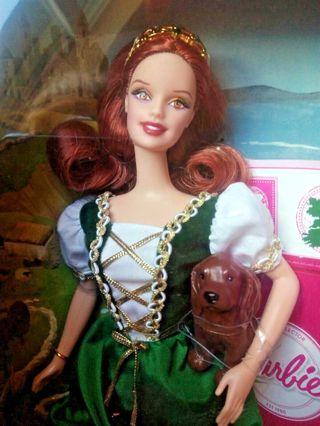 Barbie Dolls of the world pink Label Irlanda