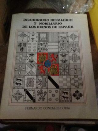 diccionario heráldico y nobiliario de los reinos d