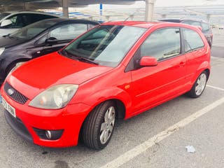 Ford Fiesta Rojo