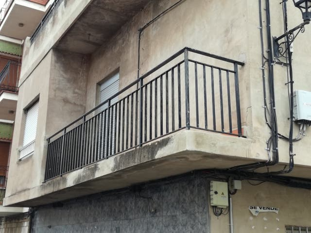 Barandilla balcon de segunda mano por 400 en benifair for Tapar barandilla balcon