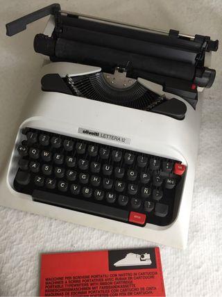 "Máquina escribir, lote. Ideal para ""atrezzo"" en TV"