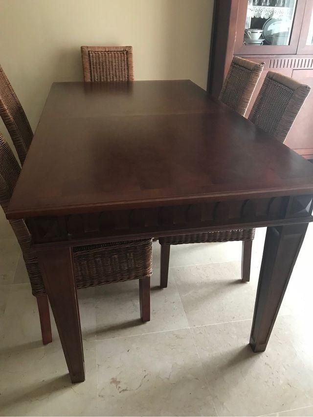 Mesa comedor estilo colonial (sin las sillas) de segunda mano por ...