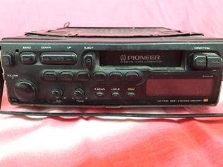 Radio cassette de coche Pioneer extraíble