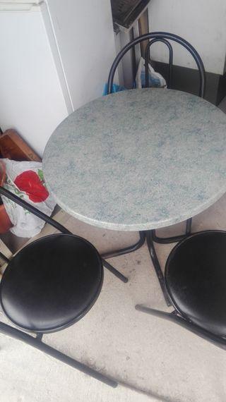 sillas mesas taburetes y todo resturante