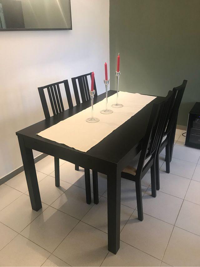 Mesa comedor Ikea de segunda mano por 155 € en Badalona en WALLAPOP
