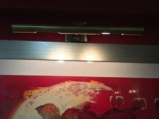 Lámpara para cuadros dorada de pared