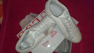 Guess zapatillas piel blancas 36 1/2