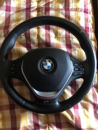 Volante BMW F20 M de cuero. Buen estado.