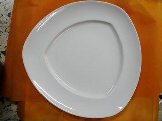 plato triangular
