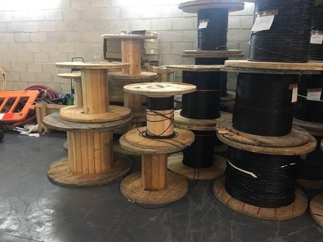 Mesa bobina cable de segunda mano por 20 en ronda en for Wallapop mesas
