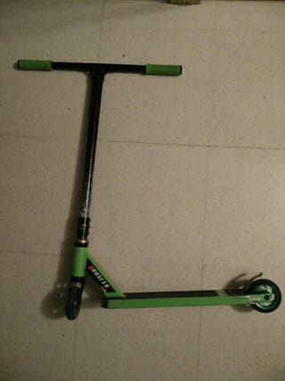 Scooter Bestial Wolf Booster B10