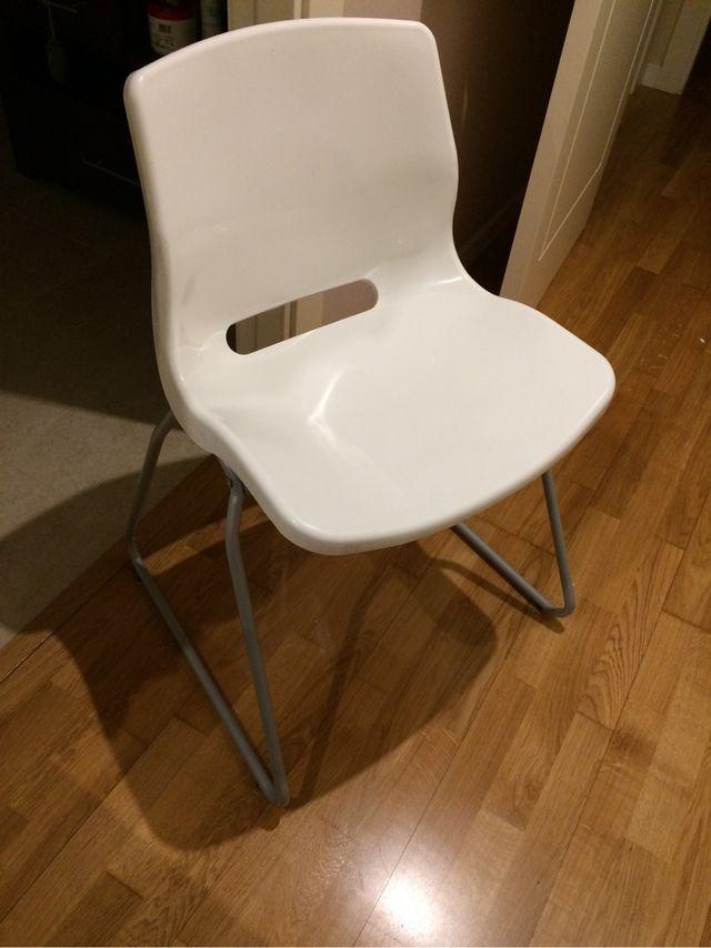 Sillas apilables ikea cheap comedor funcional sillas - Sillas madera ikea ...