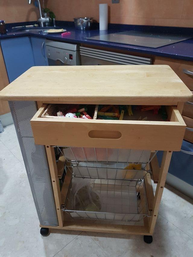 Mesa auxiliar cocina de segunda mano por 35 € en Badalona en WALLAPOP